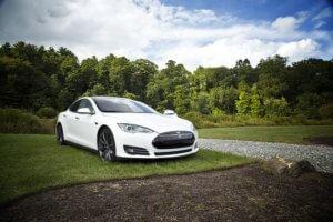 Elektroauto-Tesla